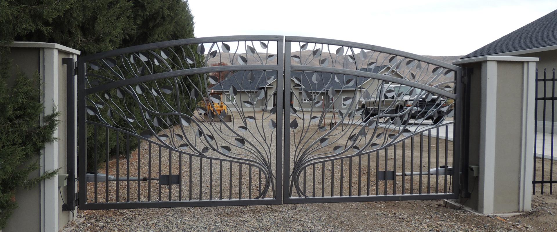 Metal Fence, Gates and Custom Metal Work: Classic Welding