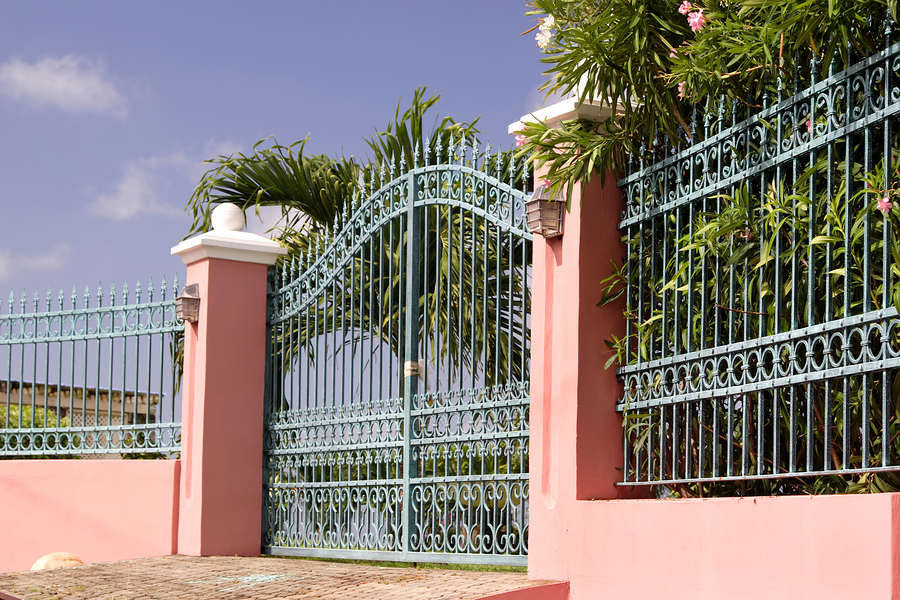 Iron metal gates gate operators yakima wa classic for Luxury fences